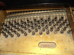 piano-tuning-mi-2