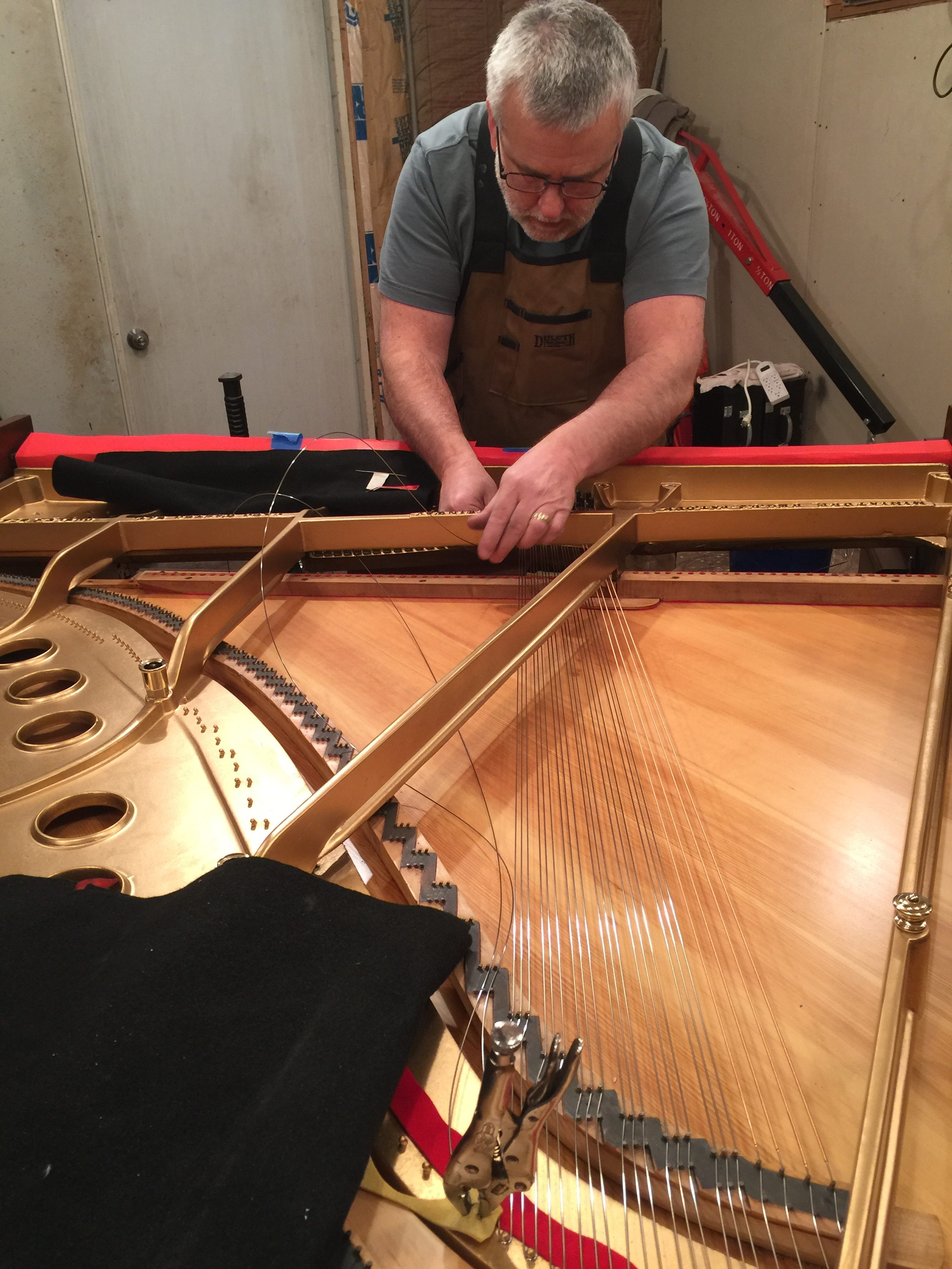 Ace Piano services and repairs pianos in Metro Detroit Michgian and rebuilds vintage Steinway pianos.